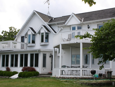 Pet friendly door county vacation rentals by owner for Vrbo wisconsin cabins